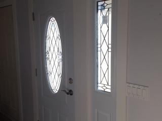 New Maintenance Free – White PVC Door and Side Lite – Trimlite CANTERBURY Glass – Regina, Saskatchewan – 01.2018